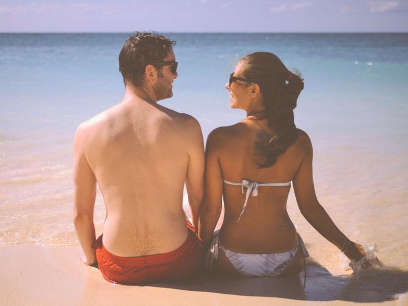 sunbathing / suntanning